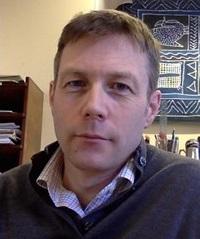 Robert MacFarlane Headshot